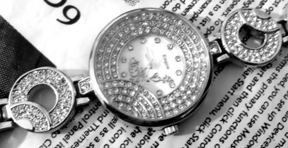 فروش اینترنتی ساعت دخترانه مجلسی شیک مارک EMPIRE