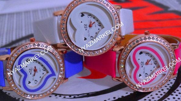 خرید پستی ساعت دخترانه  نگین دار